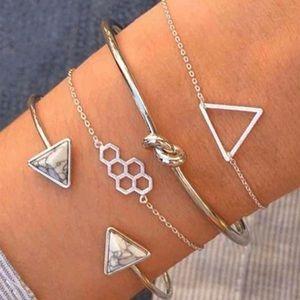 3/$30 🤍 4pc Bracelet Set